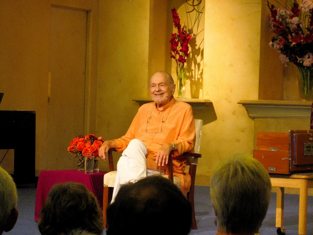 Swami Kriyananda speaks at Ananda Sangha in Palo Alto, California.