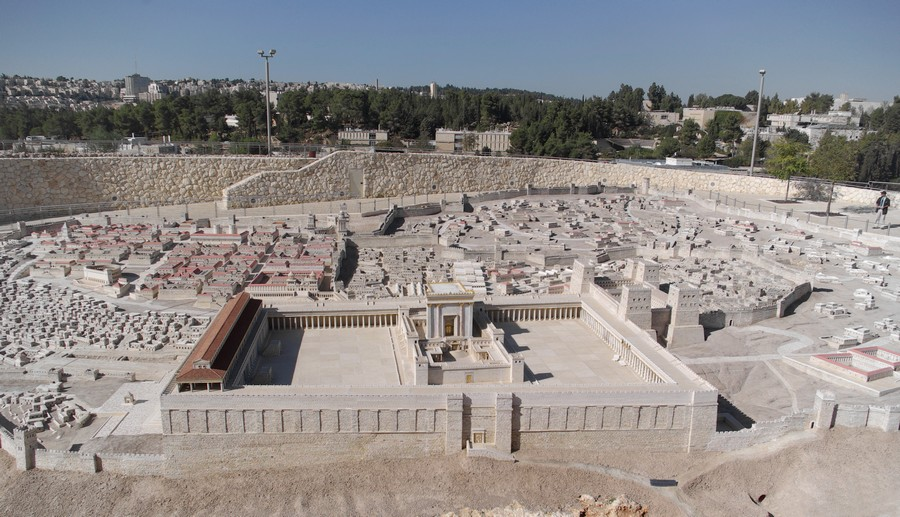 Scale model of Jerusalem in Jesus' time; in foreground is the Second Temple.