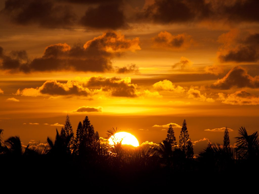 Sunrise on Kauai, photo by Pauk, Wikimedia Commons License