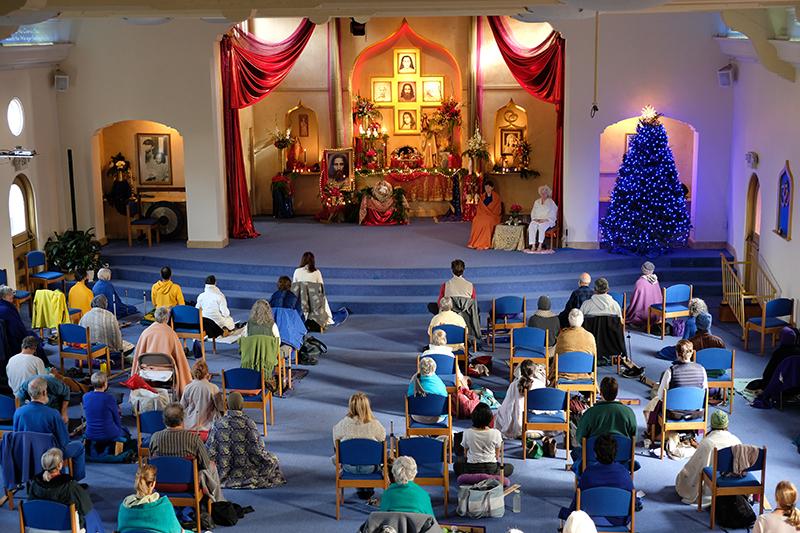 All-day Christmas meditation at Ananda Sangha in Palo Alto, California.