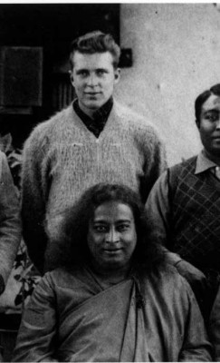 Richard Wright in India with Paramhansa Yogananda.