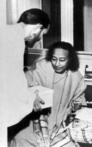 Swami Kriyananda and Paramhansa Yogananda