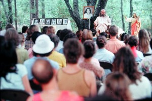 Swami Kriyananda, SRW 1975