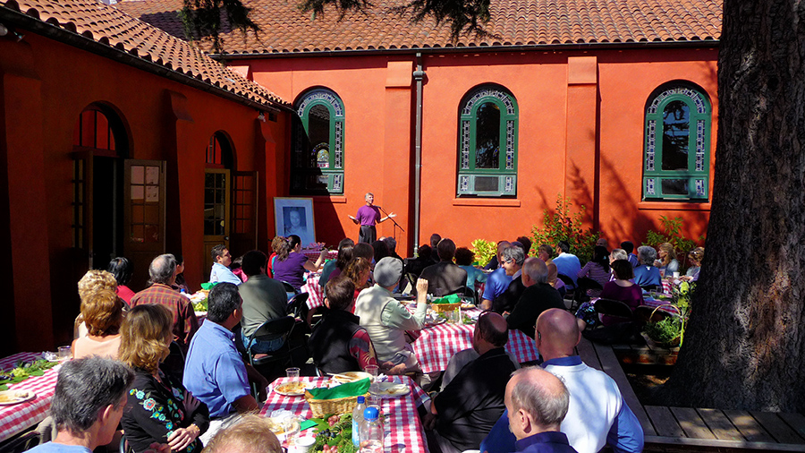 Ananda Church of Self-Realization, gala lunch in piazza.